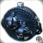Фляжка объём 0,6 л. круглая в натур. коже ( 2 складных стаканчика) Арт. Ф-607